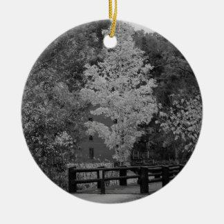 Pont en passage couvert à la gamme de gris de ornement rond en céramique