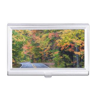 Porte-cartes De Visite Auvent d'automne de couleur le long de la route 41