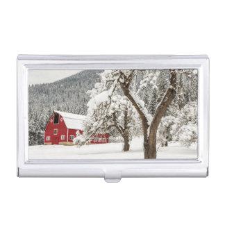 Porte-cartes De Visite Neige fraîche sur la grange rouge