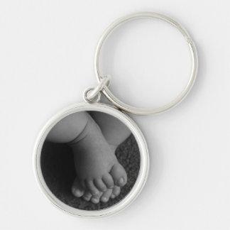 Porte - clé potelé de pieds de bébé porte-clé rond argenté