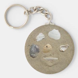 Porte-clés Coquilles de mer dans le porte - clé de sable