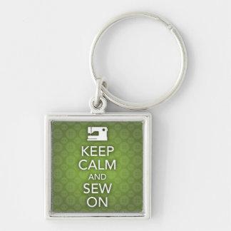Porte-clés Gardez le calme et cousez sur le porte - clé vert