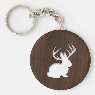 Porte-clés Jackalope sur le bois de Brown foncé