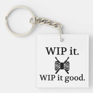 Porte-clés WIP il bon • Métiers de crochet