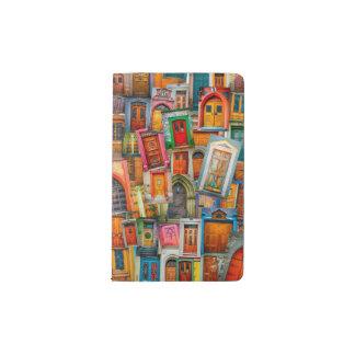 Portes du carnet de Moleskine de poche du monde