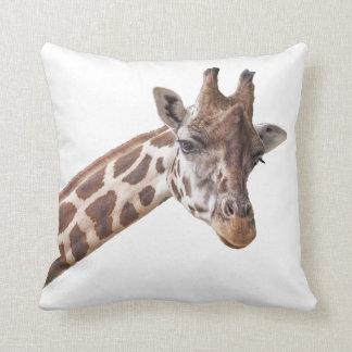 Portrait de girafe sur le blanc coussins carrés