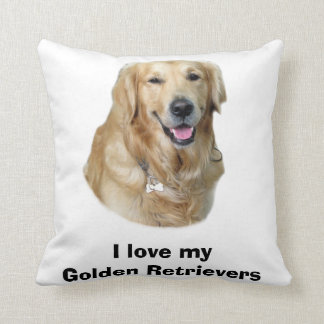 Portrait de photo de chien de golden retriever oreiller