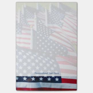 Post-it® 400 drapeaux ondulant fièrement dans un domaine