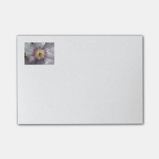 Post-it® Notes de post-it de clématite pourpre