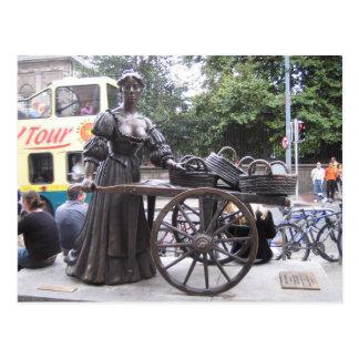 Postcard Molly Malone, Dublin, Ireland Cartes Postales