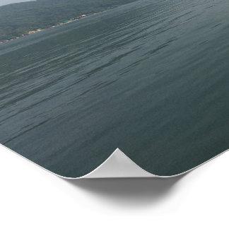 Poster Affiche avec le bateau dans le lac