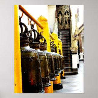 Poster Affiche de voyage de Bells de temple bouddhiste de