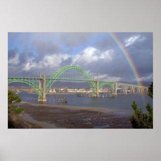 Poster Arc-en-ciel au-dessus de pont Newport Orégon