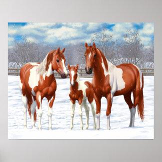 Poster Chevaux de Pinto de châtaigne dans la neige