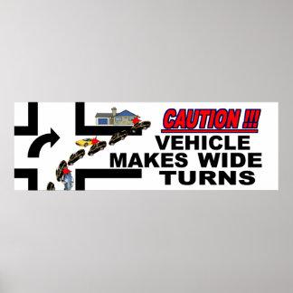 Poster De précaution de marques du véhicule tours au loin