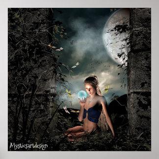 Poster Fée lunatique tenant la boule magique dans l'art