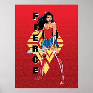 Poster Femme de merveille avec l'épée - féroce