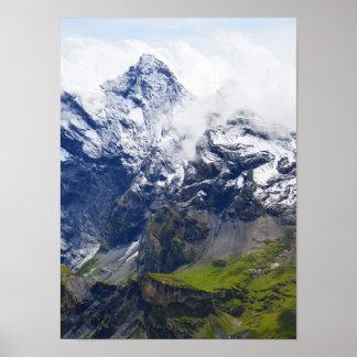 Poster Flanc de montagne dans les alpes suisses