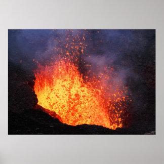 Poster La fontaine de la lave chaude éclate du cratère de