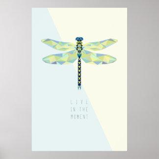 Poster La libellule vivent pendant le moment