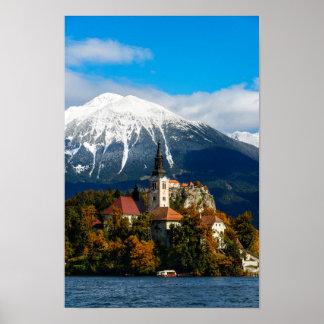 Poster Le lac a saigné le paysage en automne