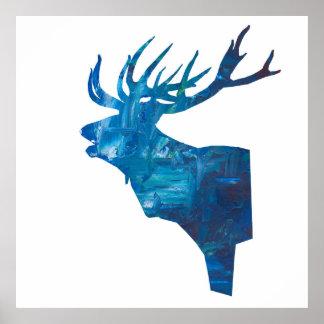 Poster mâle principal de cerfs communs dans le bleu