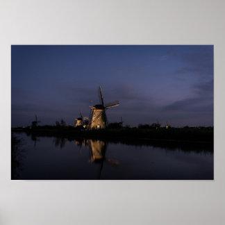 Poster Moulin à vent lumineux à l'heure bleue