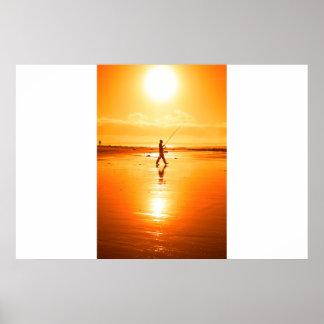 Poster pêche solitaire de pêcheur sur la plage de Kerry