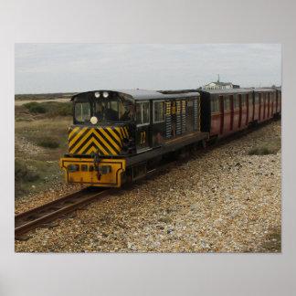 Poster Petite affiche avec le train diesel chez Dungenes