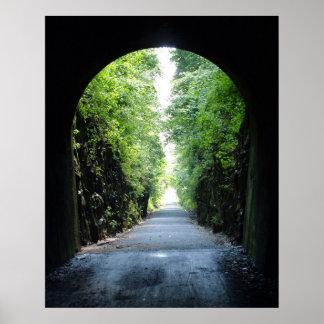 Poster Tunnel de traînée de vélo à la colline de tunnel,