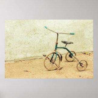 Poster Vieux tricycle délabré rouillé rétro