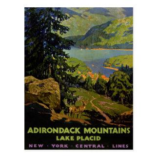 Poster vintage de Lake Placid de montagnes Carte Postale