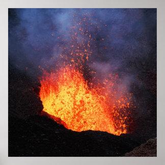 Poster Volcan actif d'éruption - écoulement de lave chaud