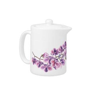 Pot pourpre de thé d'orchidée