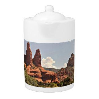 Pot rouge de thé de roche de Sedona