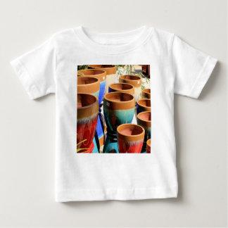 Pots colorés de plante de jardin t-shirt pour bébé
