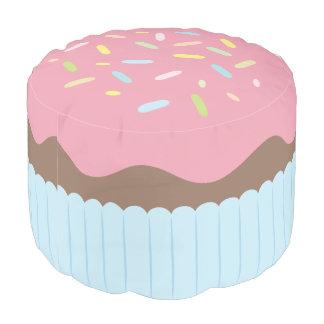 Pouf Petit gâteau arrosé mignon de rose en pastel