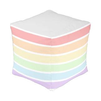 Pouf rayé de cube en arc-en-ciel en pastel