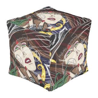 Pouf Sara aux fauteuils poire de cube en étang