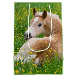 Poulain mignon de cheval de poney de Haflinger en Sac Cadeau Moyen
