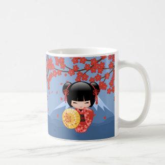 Poupée rouge de Sakura Kokeshi - fille de geisha Mug