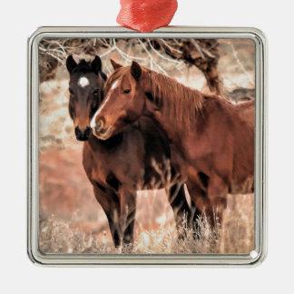 Pousser du nez des chevaux ornement carré argenté
