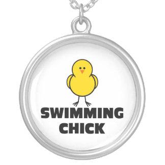 Poussin de natation pendentif