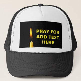Priez pour ajoutent le texte casquette
