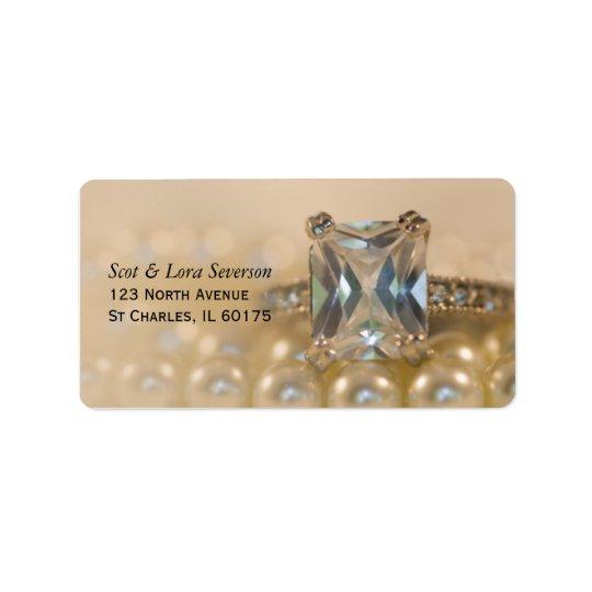 Princesse bague à diamant et épouser blanc de étiquette d'adresse