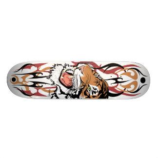 Pro planche à roulettes de tigre tribal - 1 skateboards personnalisés