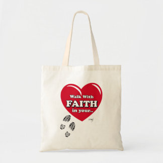 Promenade avec le sac fourre-tout à foi