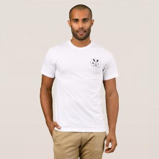 Promenade dans le T-shirt en bois