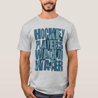 Promenade de joueurs de hockey sur le T-shirt