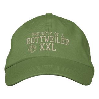 Propriété d'un chapeau brodé par rottweiler